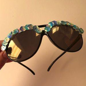 Festival style black aviators sunglasses sequin